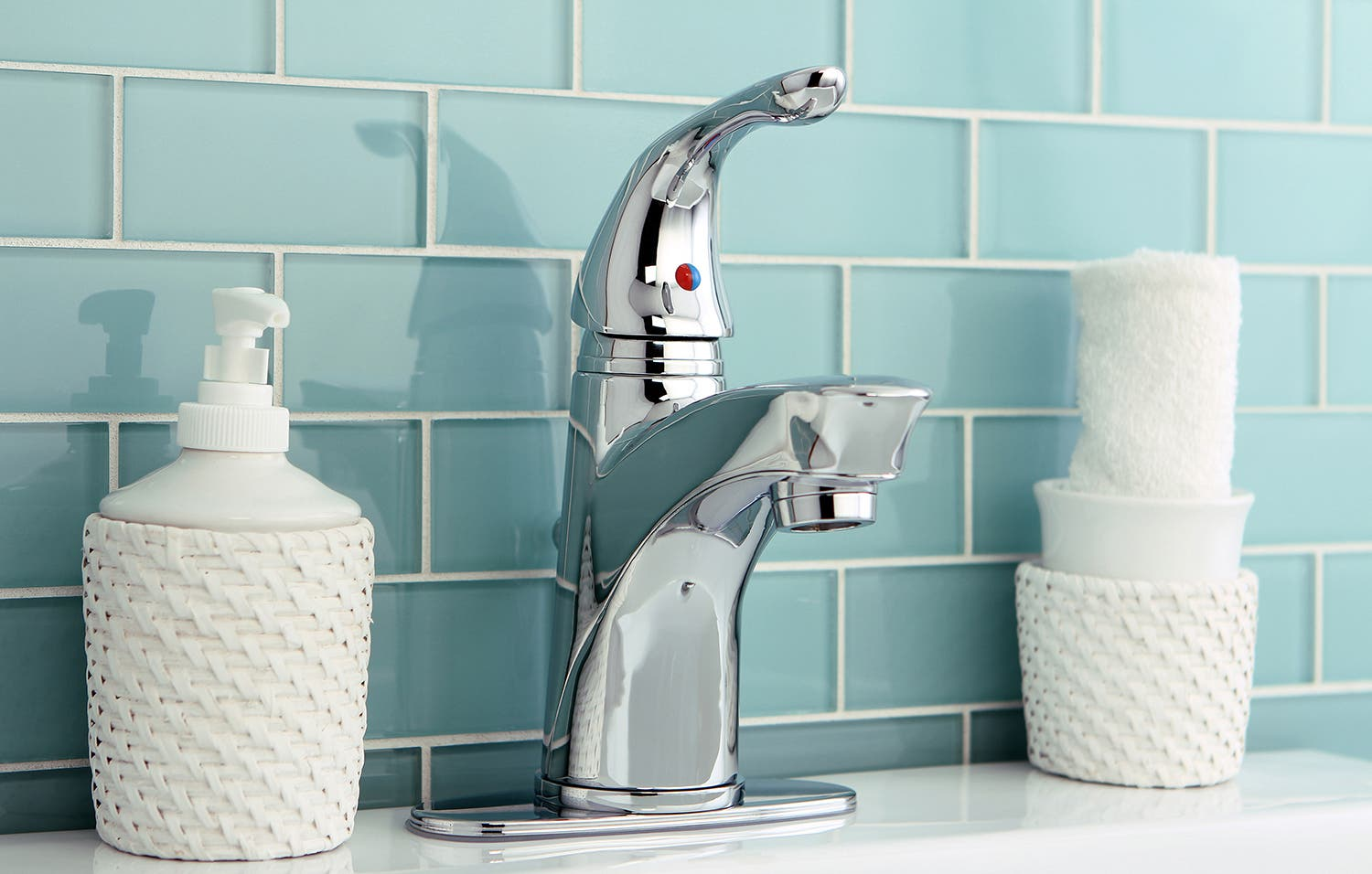 Easy tricks to producing a sparkling clean bathroom   Kingston Brass
