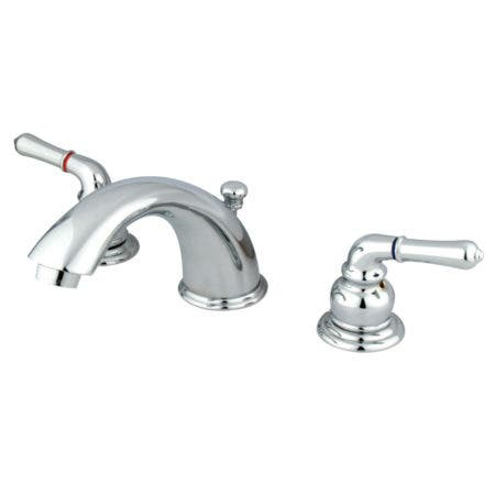 Kingston Brass KB961 Magellan Widespread Bathroom Faucet with Retail Pop-Up, Polished Chrome