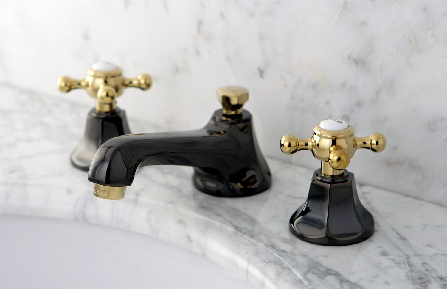 The Two-Tone Color Water Onyx Faucet Offers Elegance To The Bathroom ...