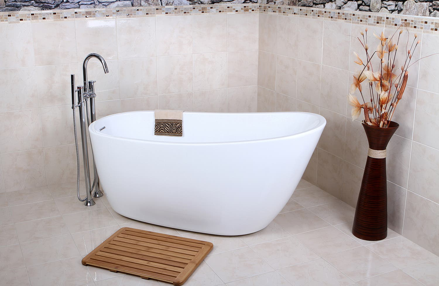 Freestanding bathtub | Kingston Brass