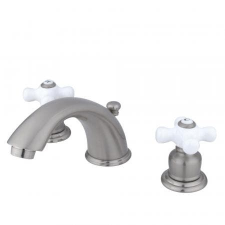 Kingston Brass KS2982BL Kingston Brass KS2982BL Widespread Lavatory Faucet with Brass Pop-Up, Polished Brass